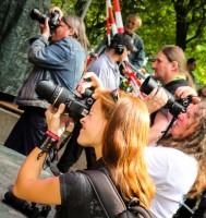 Fotografen im Graben
