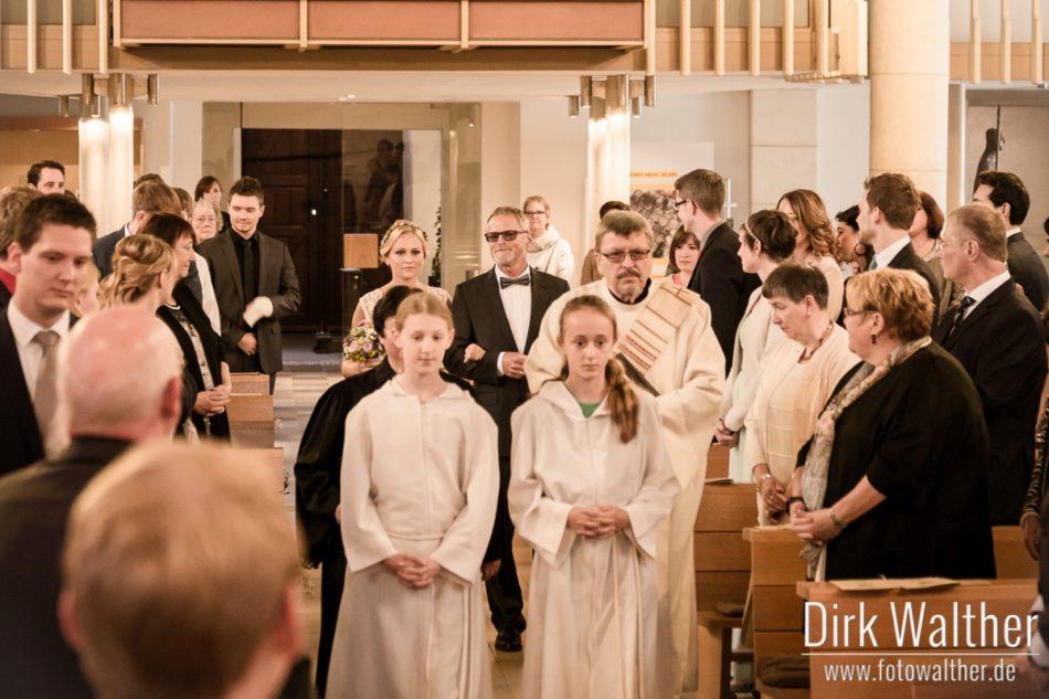 Hochzeit Pia & Alex - Einzug der Braut