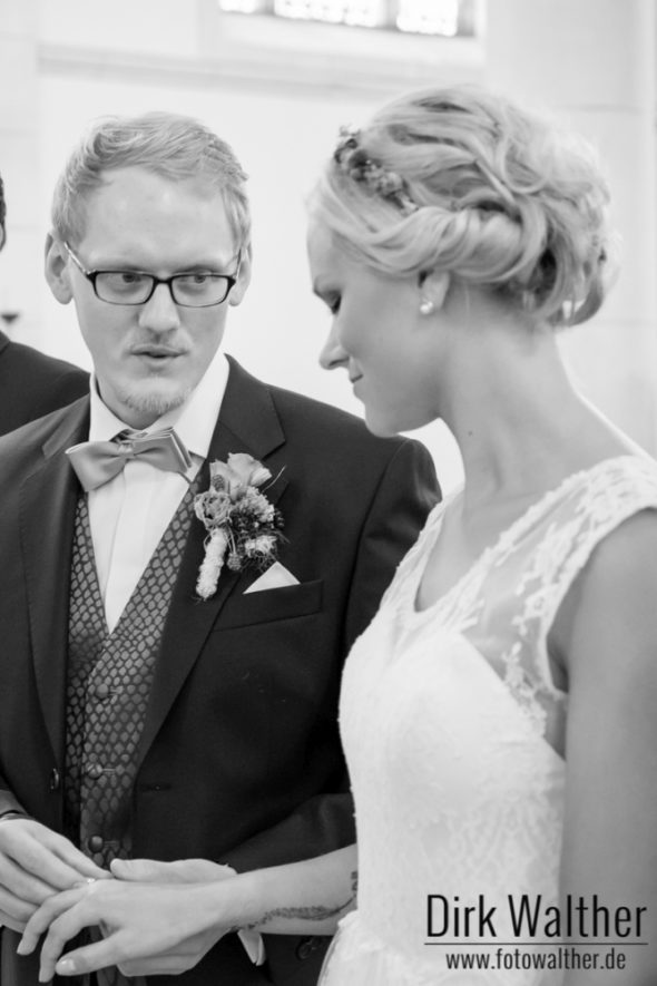 Hochzeit Pia & Alex - Anstecken der Ringe