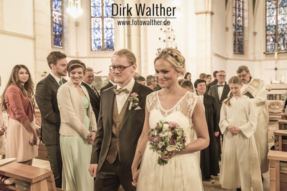 Hochzeit Pia & Alex - Auszug des Brautpaares