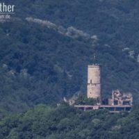 Blick vom Schloss Drachenburg auf die Godesburg