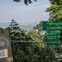 Hinweisschilder und Blick in Richtung Bonn